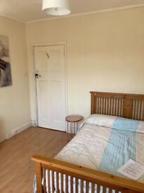 Single £300 and double £400 rooms to rent