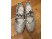 Girls silver sparkly tap shoes - size 1