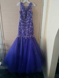 Elegant evening/ prom dress