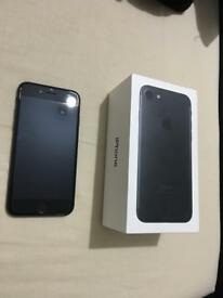 Iphone 7 on ee 32gb with box 260 only for quick sale