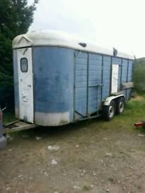 Sinclair horse amd carrige trailer