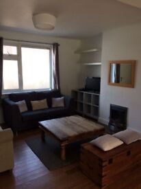 Lovely Spacious Double Room in Friendly House