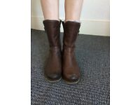 Used ladies boots size 4 leather