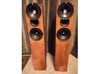 Kef Q4 Speaker's