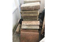 Free Bricks/concrete blocks