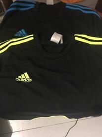 2x Adidas tops good condition never worn men's large