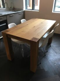 Beautiful solid oak dining table (145x80 cm)