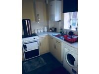 2 bed ground floor flat, very big flat