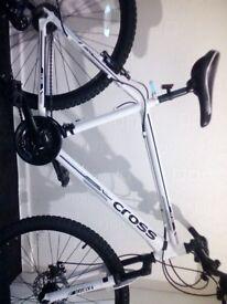 """Mens cross fxt30 36"""" mountain bike like new"""