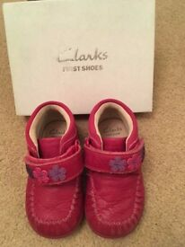 Clarks girls ankle boots 4G