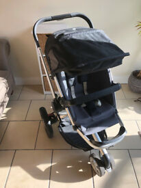 Quinny Buzz Dreami Stroller with Carry Cot in good condition.