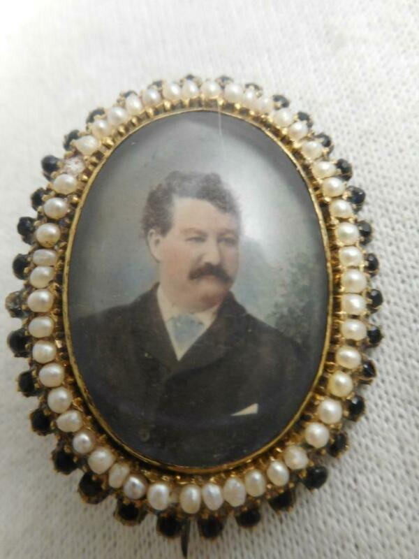 Victorian mourning pin- man