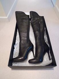 Moda in Pelle Siena's Leather Boots.....New