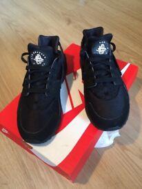 Mens Nike Huarache size 8 black £55