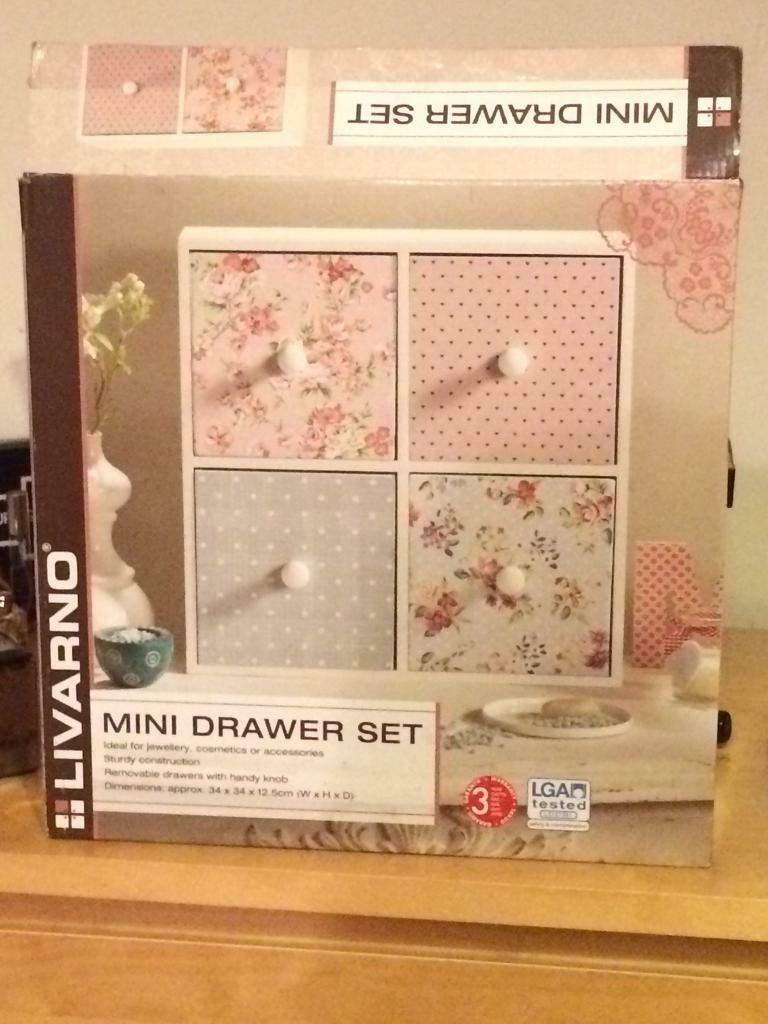 Mini drawer set