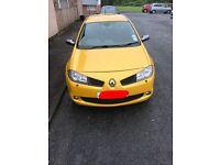Renault Megane R26 in liquid yellow