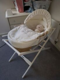 Mamas and Papas Moses basket with stand & mattress