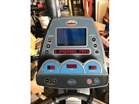 Commercial cross trainer / Gym
