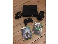 XBOX 360 SLIM 4GB WITH 2x GAMES