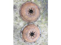 Ferguson te20 solied wheel centres
