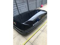 Exodus roof box only used once, excellent condition