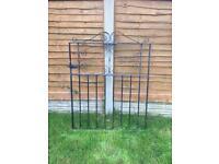 Metal garden kate