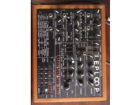 Leploop . 100 % Analog Synth, drum machine, sequencer