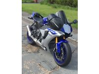 Like New 2016 YZF R1 - blue