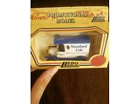 COLLECTIBLE Lledo car with box