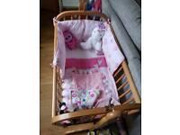 Babys swinging crib