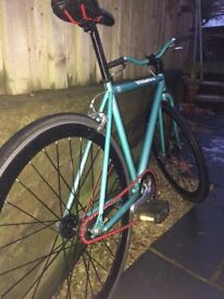 Single speed fixie, small frame, had s ince new, few little scraches as expected with a pushbike