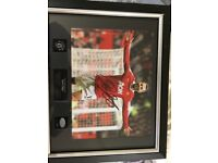 Official Ryan Giggs signed frame