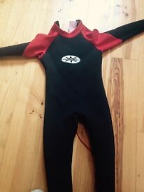 Childs wetsuit age 11 to 12 or small adult