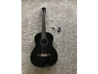 Yamaha C40 Guitar in MINT Condition + accessories