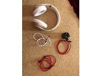 Beats studio wireless headphone in White/gold