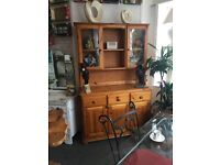 DRESSER \ DISPLAY CABINET. QUALITY SOLID PINE. BEAUTIFUL PIECE OF FURNITURE.