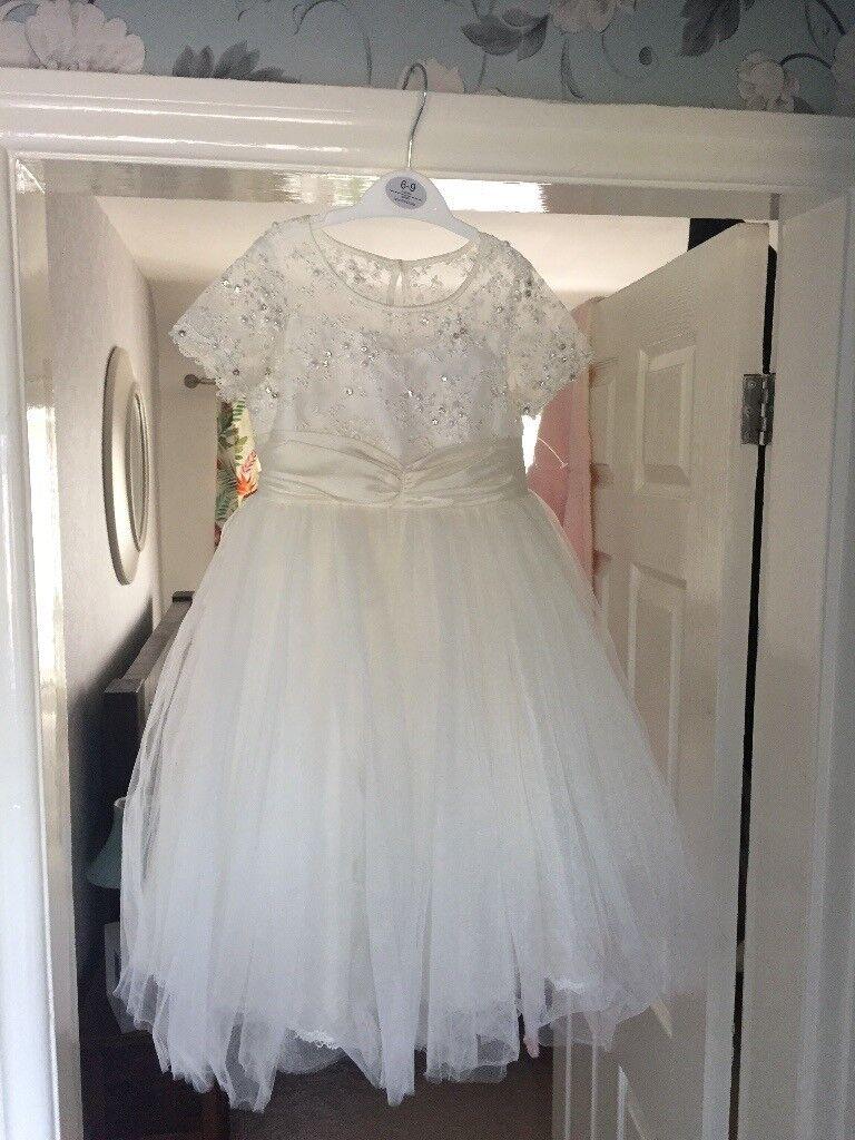 Beautiful bridesmaid dresses.