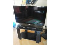 """Samsung 40"""" 3D Smart LED TV along with stand"""