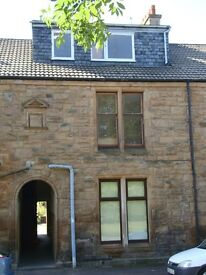 Beautiful large 4 bed Flat available now for rent - Grangemouth