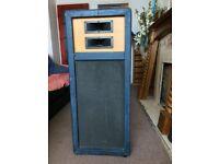 1 x 150 watts SIMMS watts speaker