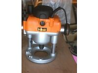 TRITON TRAOO1 2400Watt plunge router (Spares or Repairs)