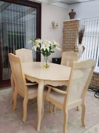 Very good condition table and four chairs for sale