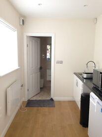 1 Bed Studio flat for rent