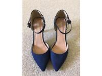 Roberto Vianni - Blue Suede Heels (Size 6)