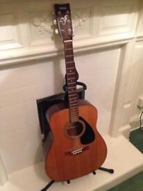 Laminate acoustic guitar