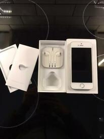 IPhone 5s 32gb Silver Unlocked fully working boxed
