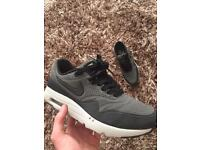 air max ones ultra moire