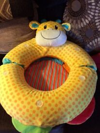 Inflatable ring to support baby sitting up and mat