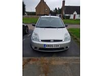 Ford Fiesta Ghia....ideal first car!