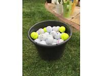 Bucket of 100 golf balls